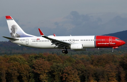самолет Norwegian Air Shuttle